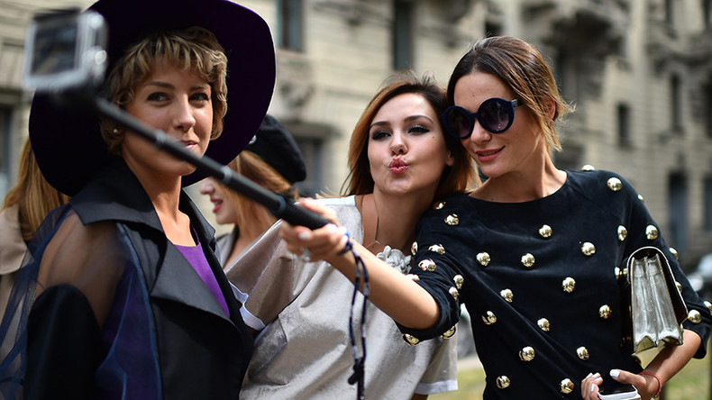 Milan bans cans, selfie-sticks & food trucks in clampdown on rowdy behavior