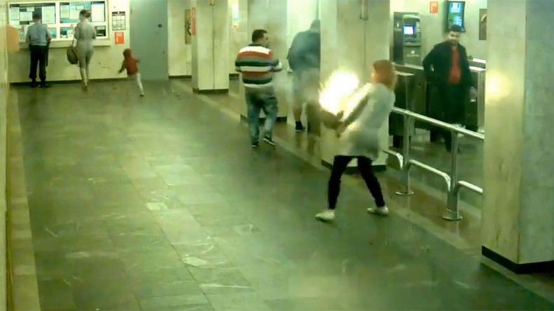 Got a light? Vaporizer battery explodes, engulfs woman's purse in flames (VIDEO)