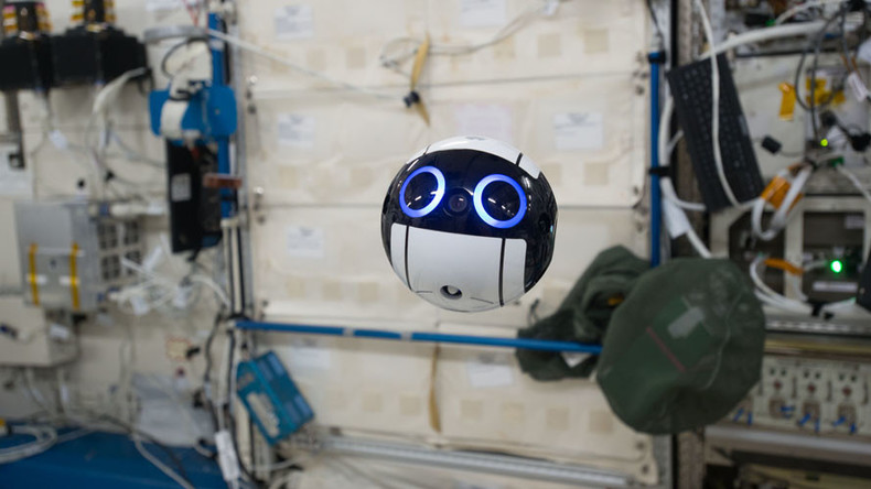 Stealthy 'Star Wars' drone captures life on board ISS (VIDEOS)