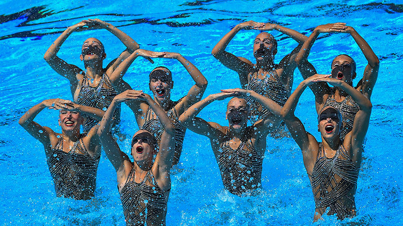 Russia claims world gold in women's synchronized swimming (PHOTOS)