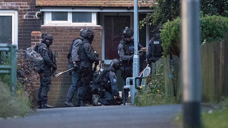Man arrested after 25-hr hostage stand-off in Manchester