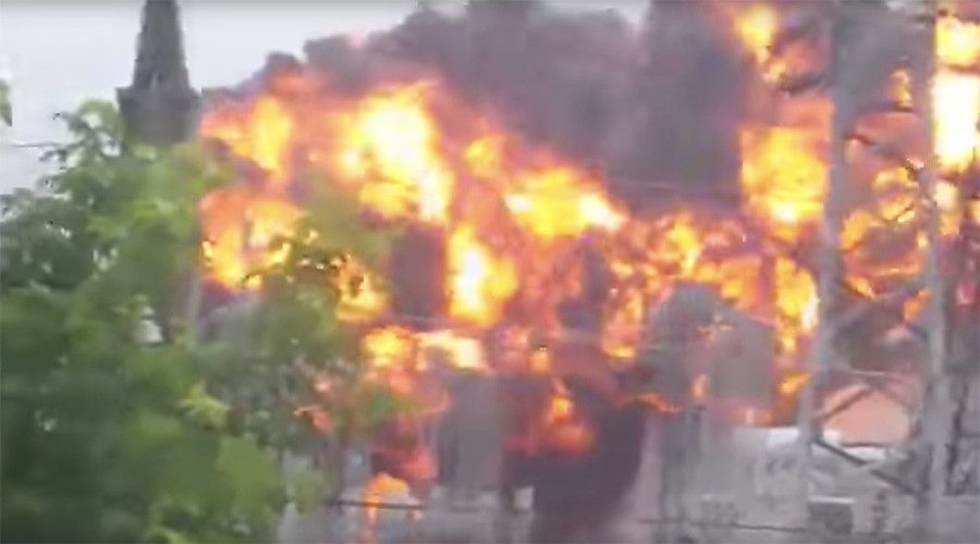 Huge explosion at electricity substation in Siberia caught on camera (VIDEO)
