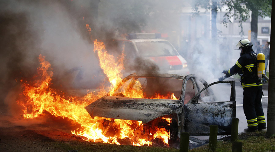 Water cannon, torched cars: Protests rage in Hamburg for 2nd day as G20 summit kicks off