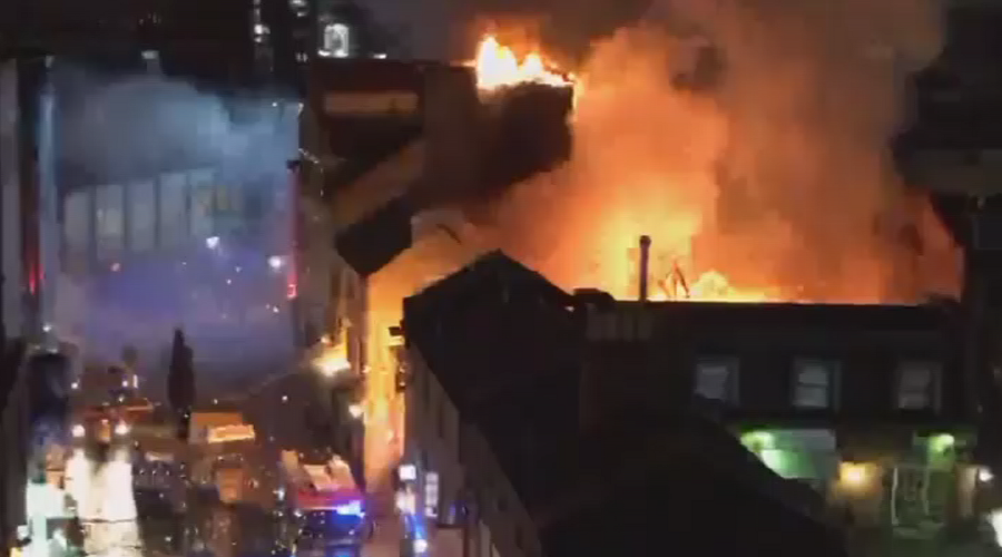 London firefighters battle blaze at Camden Lock Market (PHOTOS, VIDEOS)