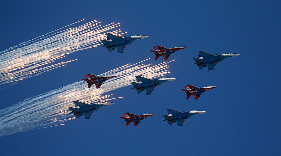 Incredible 360 footage captures 'Russian Knights' riding through the skies (VIDEO)