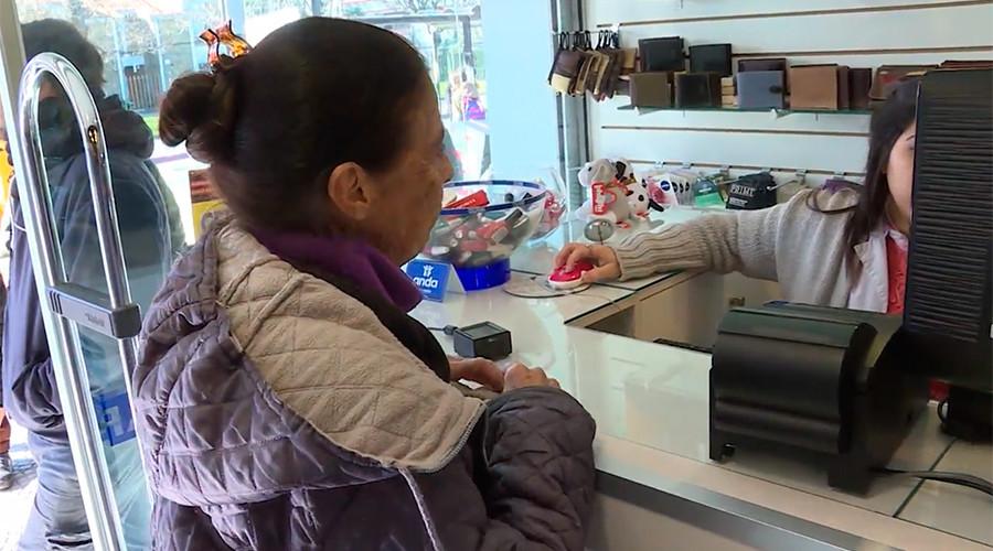 Long queues at Uruguayan pharmacies as recreational cannabis finally legal to sell (VIDEO)