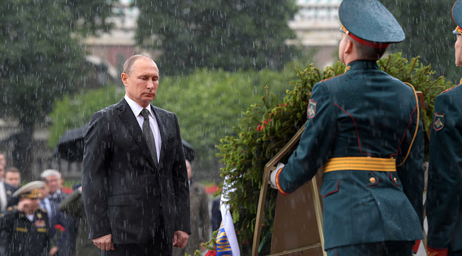 'Not made of sugar': Putin shrugs off badass downpour pic