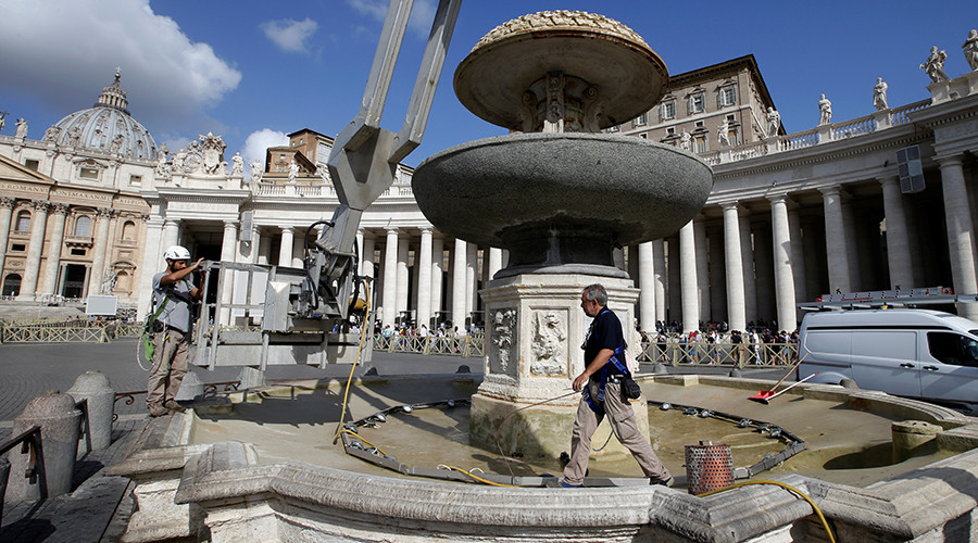Pope Shuts Off Vatican Fountains For First Time In Living -3197
