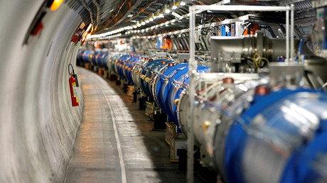 A general view of the Large Hadron Collider (LHC) © Pierre Albouy