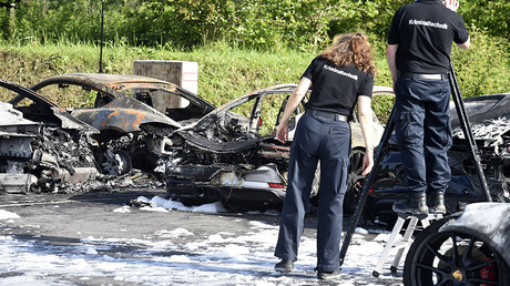 Porsches set on fire in possible G20 arson attack (VIDEO, PHOTOS)
