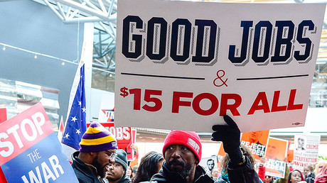 Protesters demanding $15 minimum wage in St. Louis, Missouri © Jeff Curry