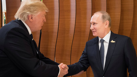 Putin and Trump shake hands ahead of first face-to-face meeting at G20 (VIDEO)