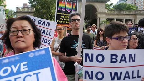 Hawaii judge expands 'close family' exemption of Trump travel ban