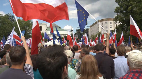 EU triggers unprecedented proceedings against Poland, sanctions could follow