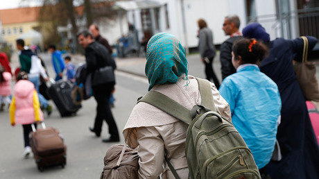 German communities should be paid for taking in refugees – vice chancellor