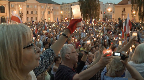Protesters rally against controversial judicial reform in Poland
