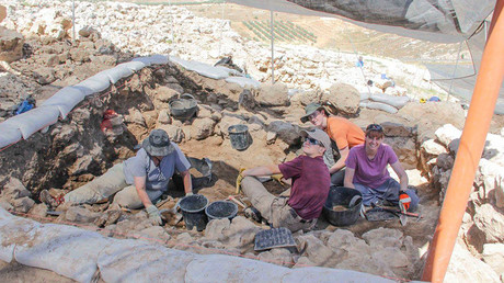 500,000yo hunter-gatherer 'paradise' discovered near Israeli highway
