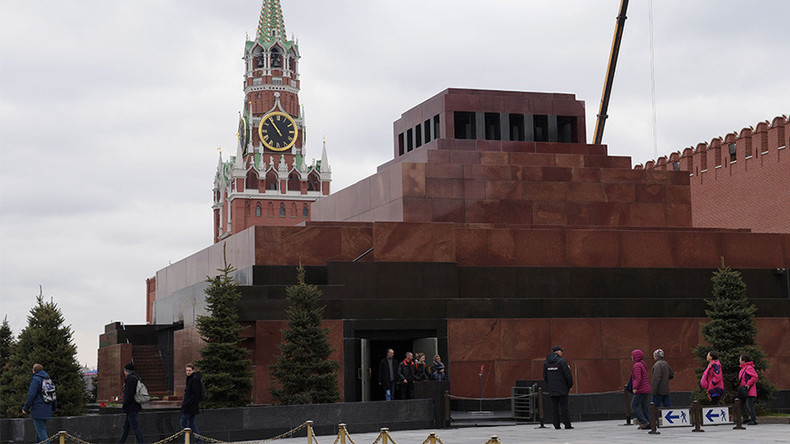 Putin promised to keep Lenin's body in Moscow mausoleum, communists say
