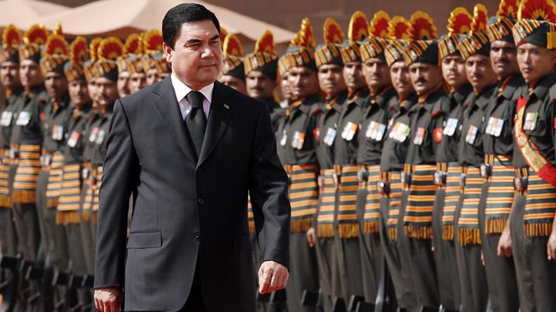 Turkmen leader channels inner Arnie for Commando-style troop inspection (VIDEO)