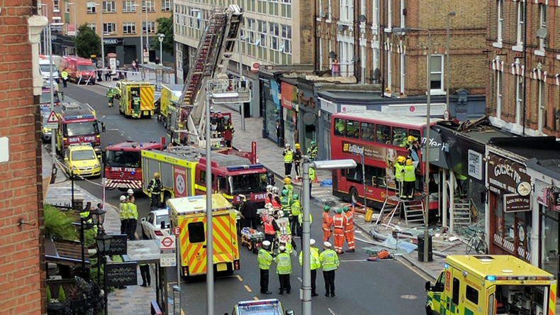 London double-decker crashes into building, multiple passengers injured (PHOTOS, VIDEOS)