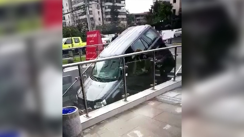 Mis-step: Driver confuses stairway for road (VIDEOS)