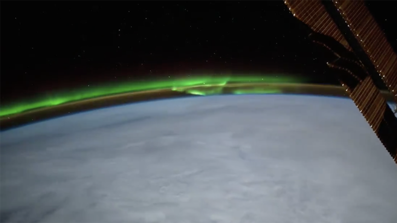 Stunning aurora blooms over Earth in astronaut footage (VIDEO)