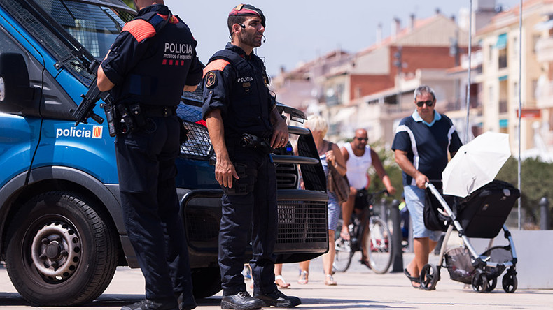 Spanish hero cop confronts & kills 4 terrorists covering injured partner (GRAPHIC VIDEO)