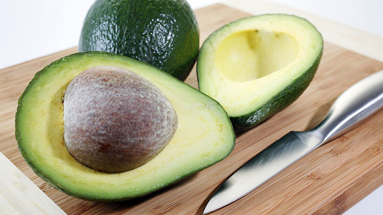 Forbidden fruit: New Zealand police on alert for avocado thieves selling on Facebook