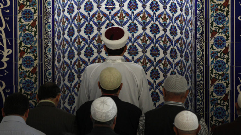 Refugee hate preacher received $620K in social benefits in Switzerland – media