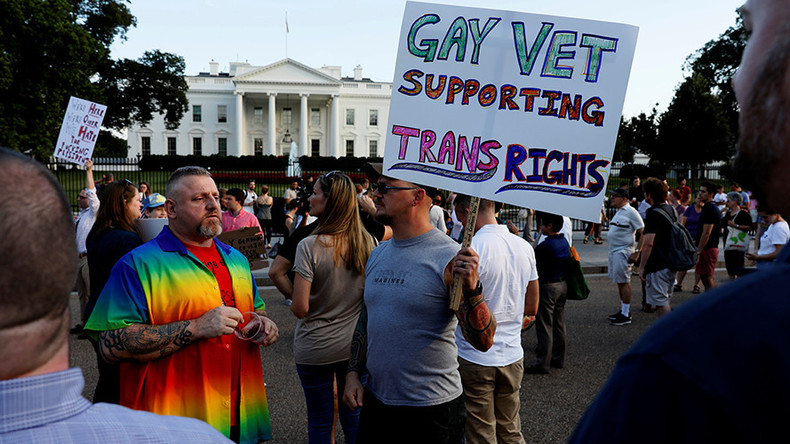 Trump directs Mattis to implement transgender ban in military