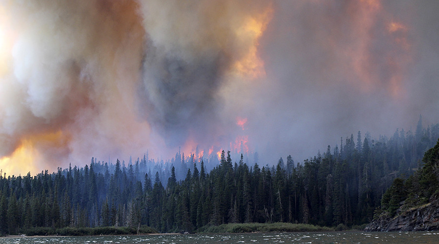 Satellite captures dramatic scale of North American wildfires (PHOTOS, VIDEO)