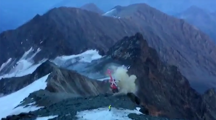 Seconds from disaster: Crewman scrambles to escape out-of-control rescue helicopter (VIDEO, PHOTO)