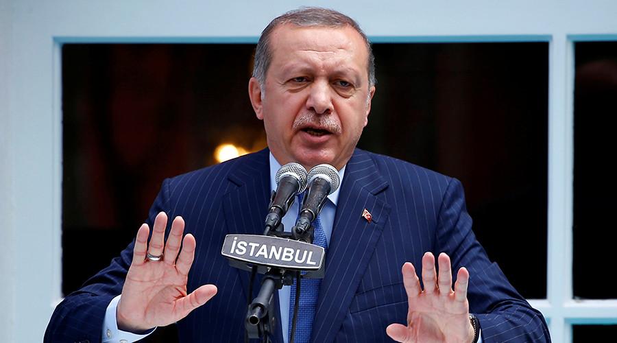 Guantanamo style? Turkey introduces court uniforms for failed coup defendants & terror suspects
