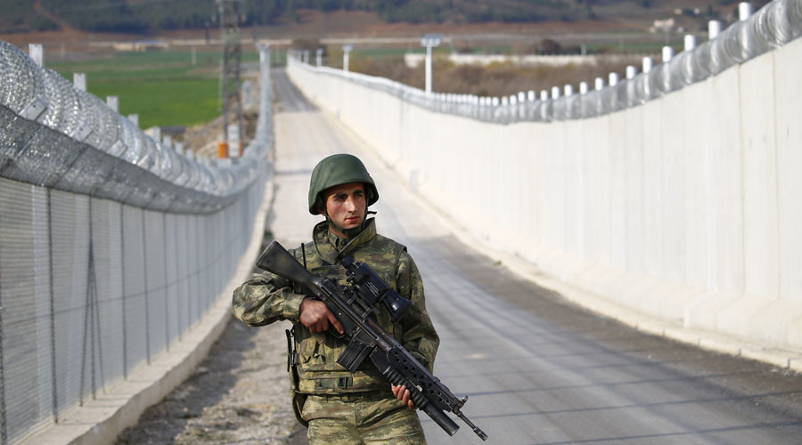 Turkey starts building wall on Iran border