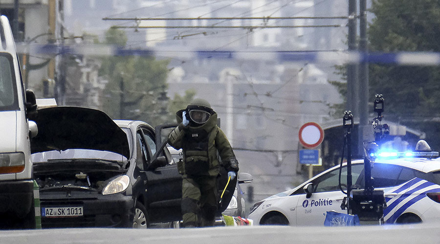 Bomb scare in Brussels after police fire at car, driver claims possessing explosives