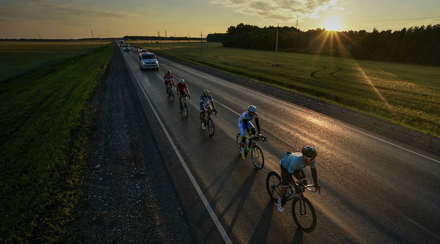 Epic Russian cycling race reaches finish line after covering 9,000km & 7 times zones in 24 days