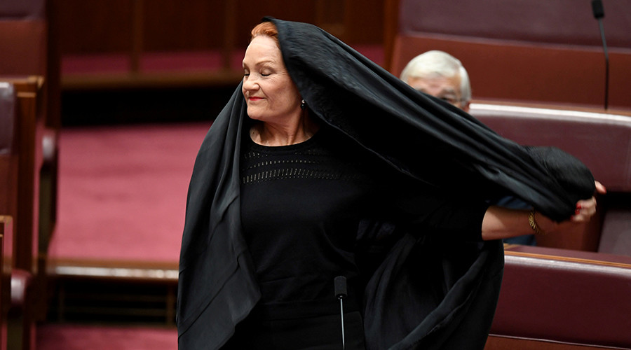 Right-wing Aussie senator wears burqa in parliament calling for ban (VIDEO)
