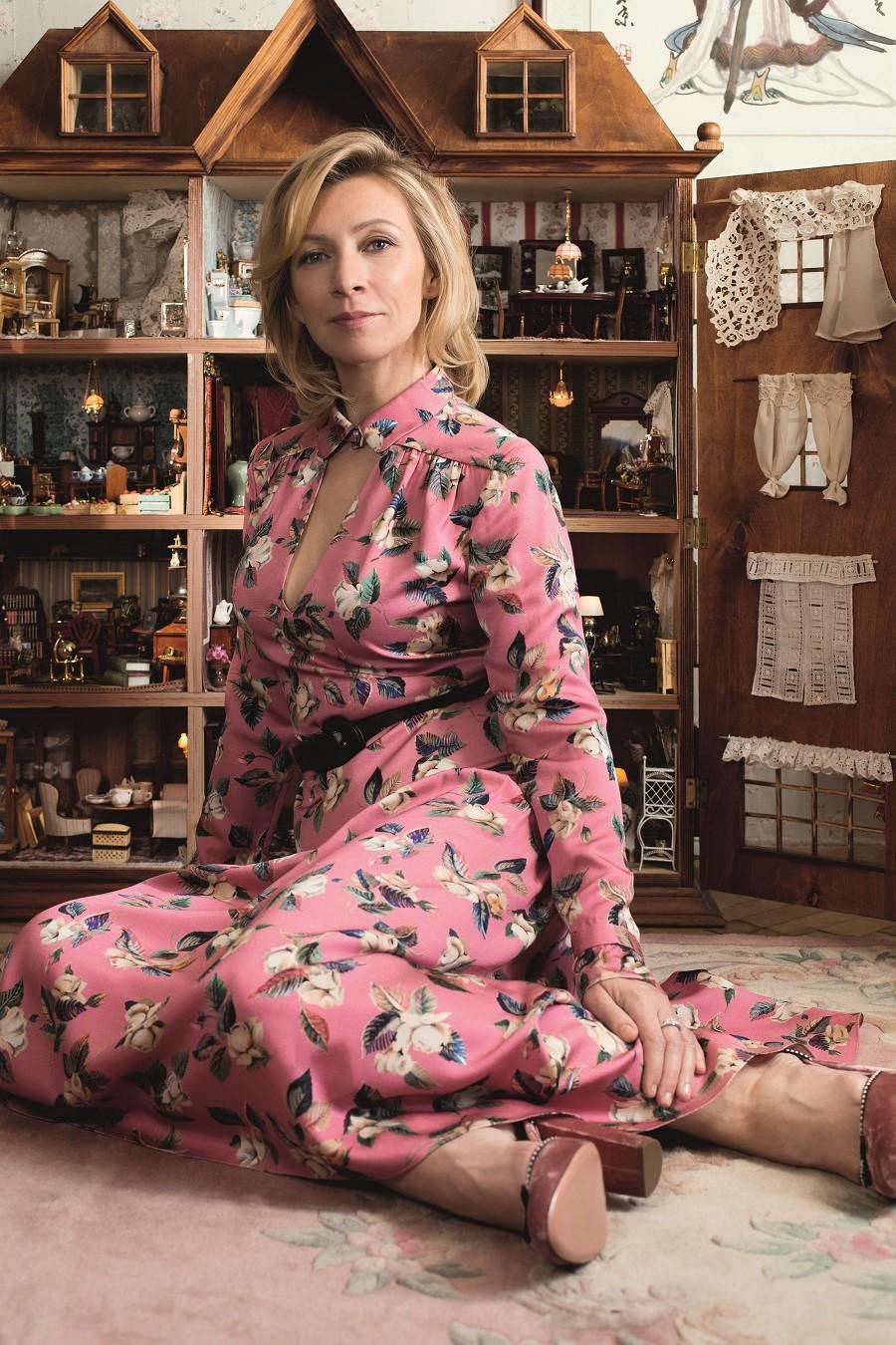 Dollhouse, smoking cigars & Russian designers: Zakharova gives rare glossy  mag interview — RT World News