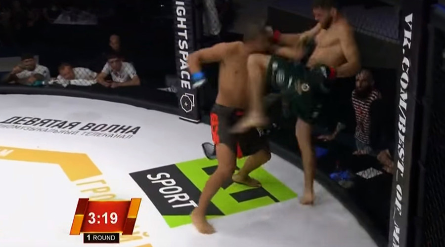 MMA fighter knocks himself out with faceplant (VIDEO)