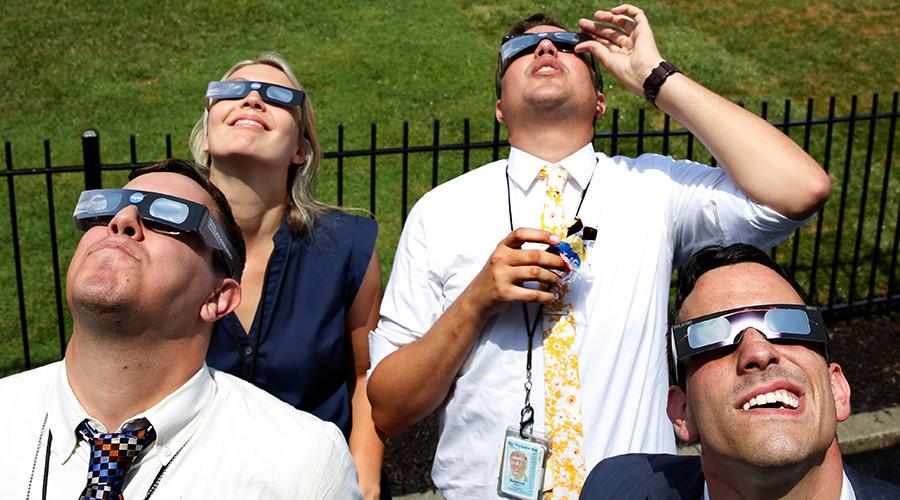 Solar eclipse drives American social media bananas