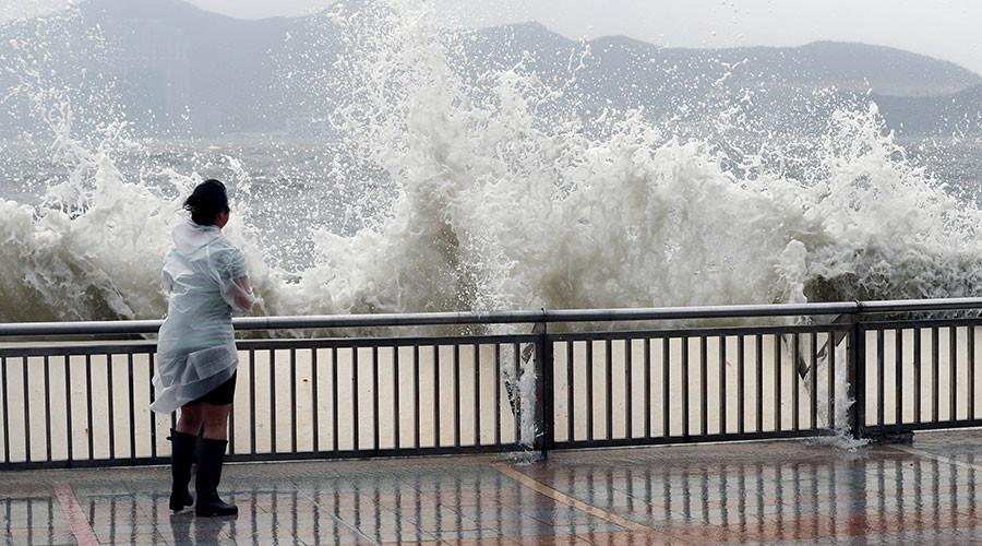 Typhoon Hato hits Macau & Hong Kong, leaves 12 dead (PHOTOS, VIDEO)