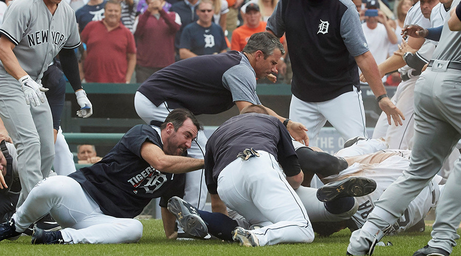 Basebrawl: Suspensions likely after mass Detroit Tigers-New York Yankees punch-up (VIDEO)