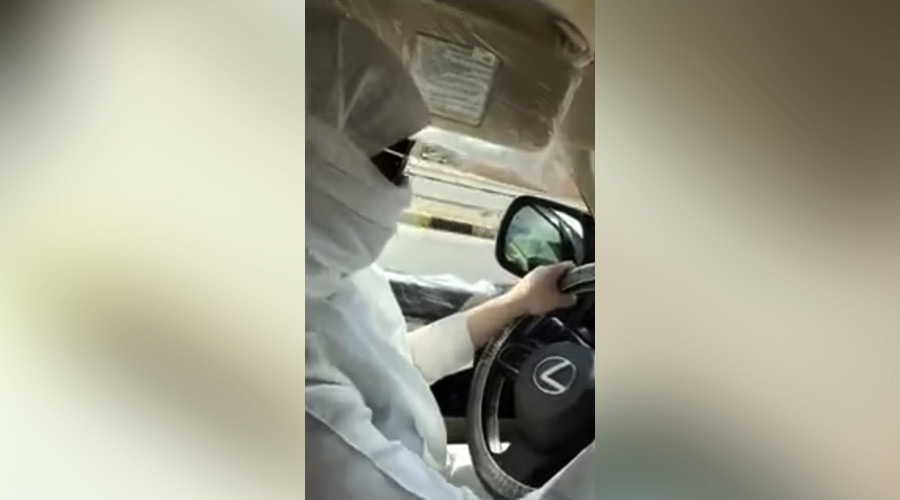 Saudi police probe viral video of woman driving (VIDEO)