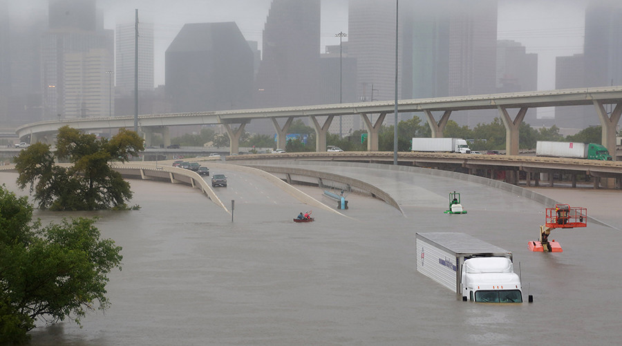 Houston reporter rescues trucker live on air (VIDEO)