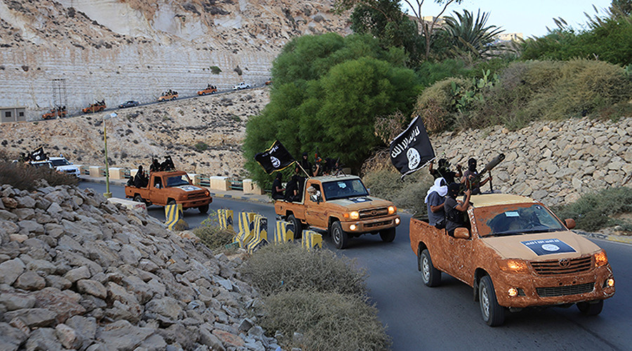 US targets ISIS convoy that agreed to leave Lebanon under Hezbollah deal