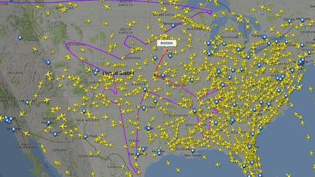 Pilot draws 'Christmas tree' flight path with amazing precision