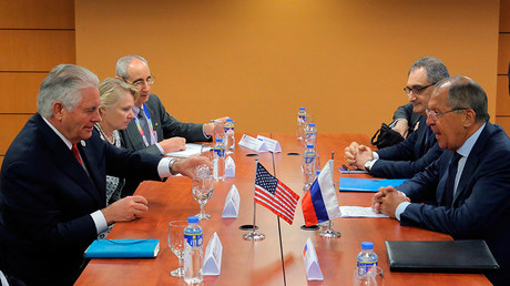 US Secretary of State Rex Tillerson and Russian Foreign Minister Sergey Lavrov at a meeting on the sidelines of an ASEAN regional security summit in Manila © Vitaly Belousov