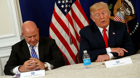 U.S. President Donald Trump  with National Security Adviser H.R. McMaster (L) © Jonathan Ernst
