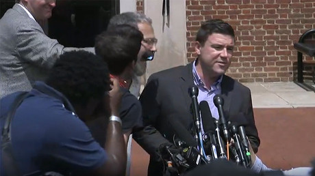'Unite the Right' organiser punched, forced to flee press conference in Charlottesville (VIDEOS)