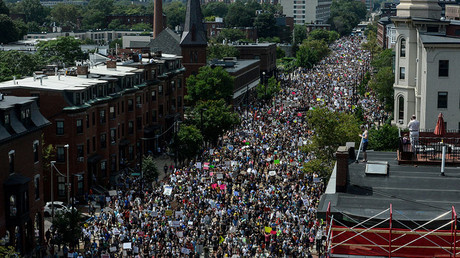 A large crowd of people march towards the Boston Commons to protest the Boston Free Speech Rally in Boston, MA, US, August 19, 2017© Stephanie Keith